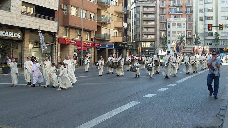 Grupo de Bombos y Tambores de la parroquia Mare de Déu de la Mercè.
