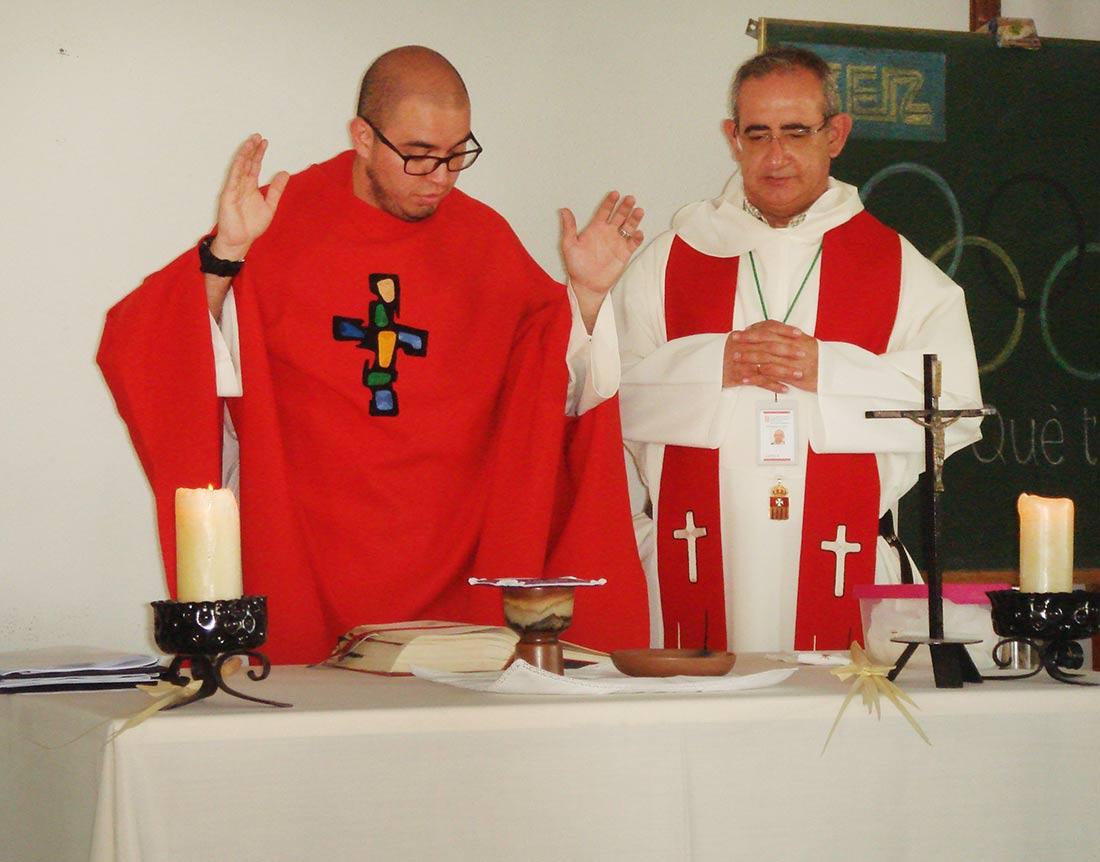 Los sacerdotes mercedarios José Leonardo Sánchez y Vicente Zamora celebraron la eucaristía.